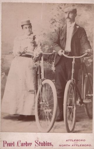 etta-and-bill-on-bikes