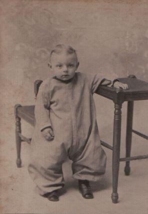 leroy-baby-standing