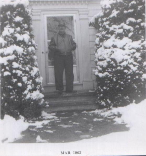 Lionel in snow Gra Gra house