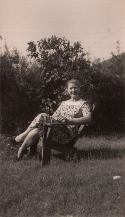 Bess outdoor chair